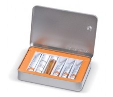 Dr Hauschka Facial Kit with oily or combination skin impurities.